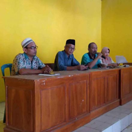 BKAD Kecamatan Sedan adakan satunan anak yatim piatu di desa Gandrirojo.